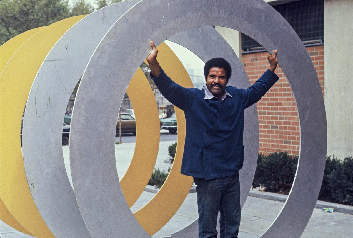 Melvin Edwards with his sculpture, Double Circles, 1970. Photo: Courtesy the artist/Alexander Gray Associates, New York and Stephen Friedman Gallery, London